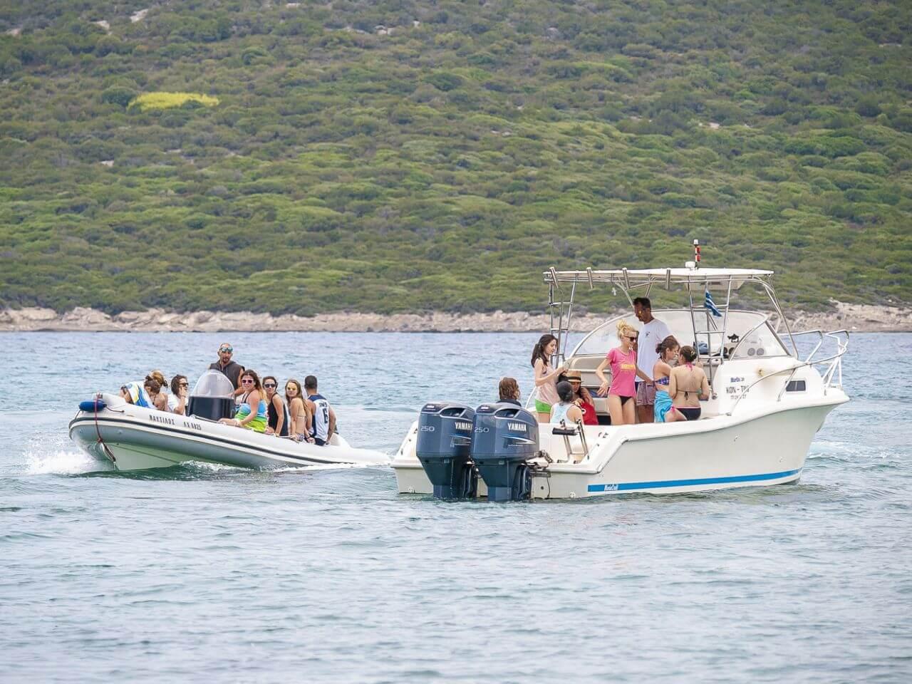 Kitesurfing boat trips kite safari in Greece