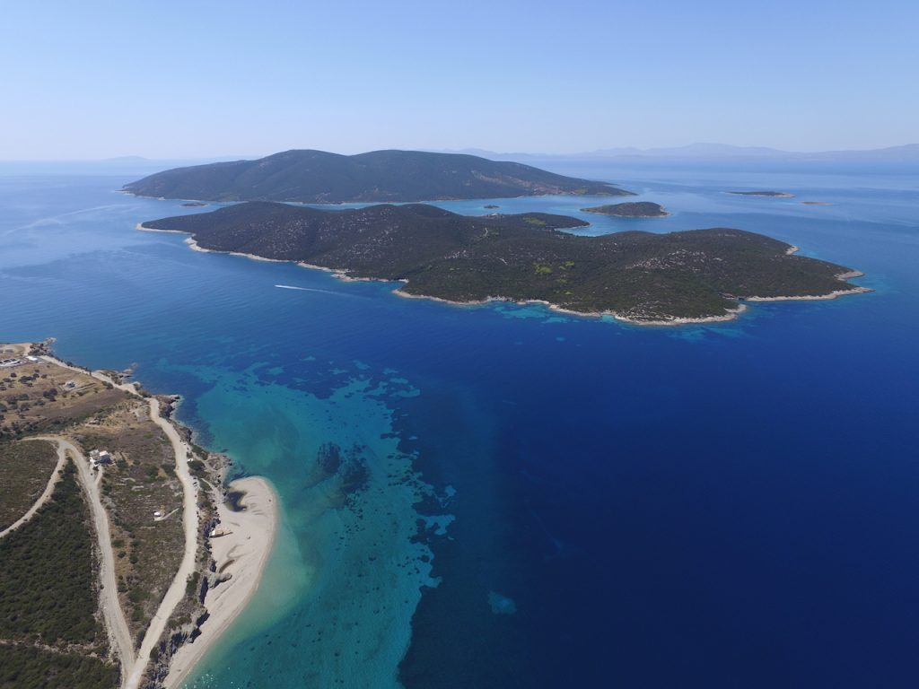 kitesurfing paradise on evia island greece