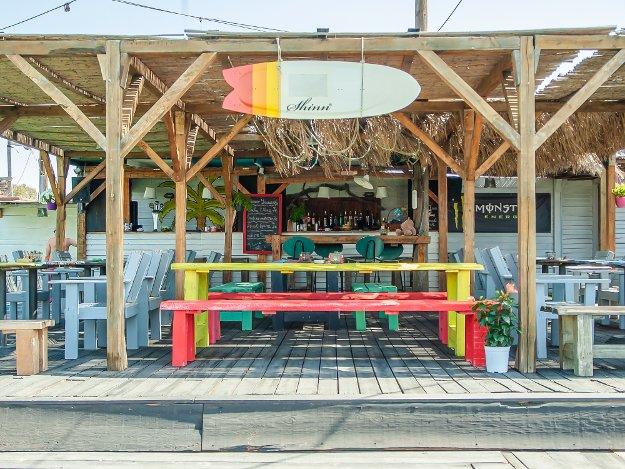 Marmari surf club beach bar and food